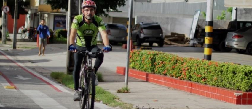 Fortalezenses contam vantagens de trocar o carro pela bicicleta na ida ao trabalho