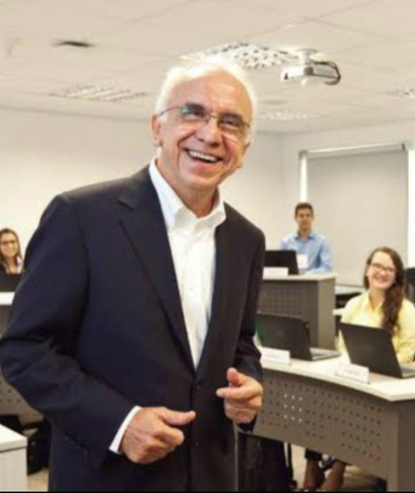 Palestra gratuita em Fortaleza orienta estudantes sobre carreira em gestão