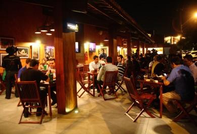 Bar de Fortaleza promove ação com cerveja 62% mais barata