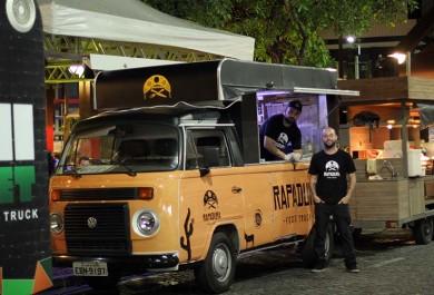 Food truck cearense tem sanduíches com rapadura e pão de jerimum