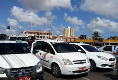 Falta de educação é o motivo apontado por taxistas para piorar o trânsito de Fortaleza