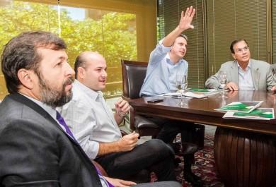 Governo, Prefeitura e Fiec traçam estratégias em defesa do HUB da TAM
