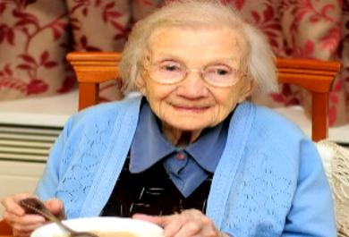 Para escocesa de 109 anos, segredo da vida longa para a mulher é não casar