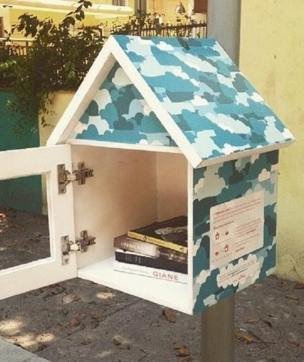 Projeto espalha casas de passarinho para troca de livros em Fortaleza