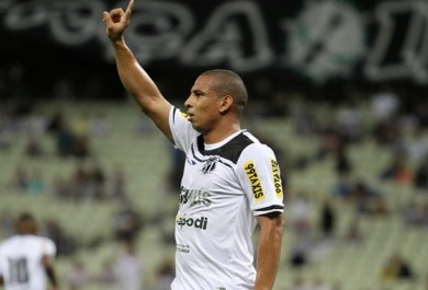 Ceará vence e ganha uma posição na tabela da Série B