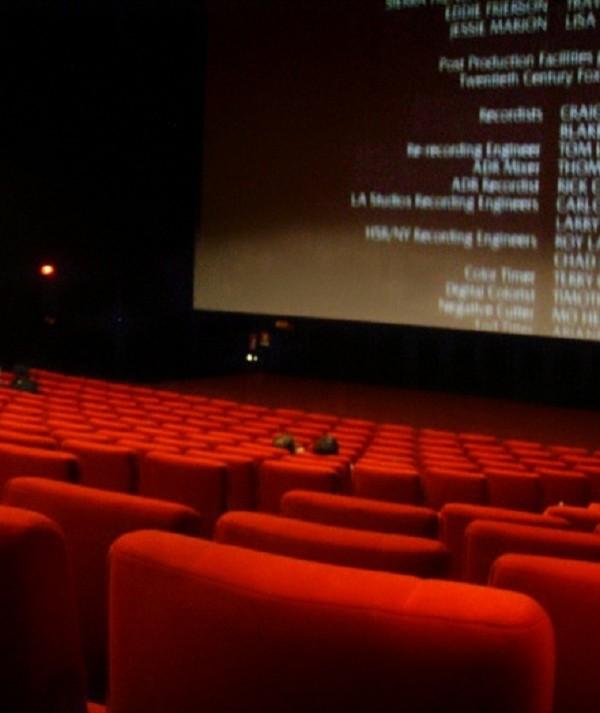 Cine São Luiz abre as portas para crianças de escolas da cidade