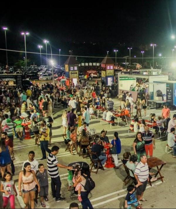 Consumidores criticam gourmetização exagerada dos food trucks de Fortaleza