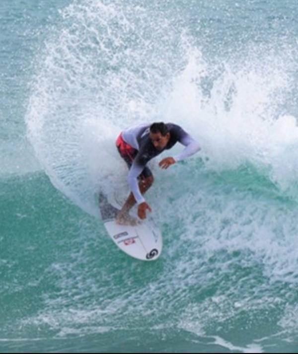 Surfista cearense que disputou WCT supera drama e está perto de voltar ao mar