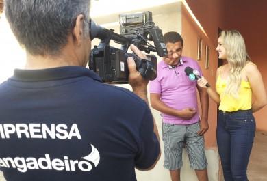 Lorrane Cabral conhece Erivando Braga, exemplo de superação de Maranguape