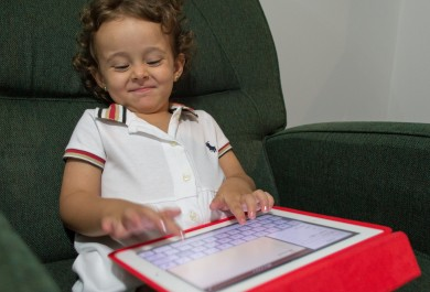 Secretaria da Educação aposta na internet para alfabetização de crianças