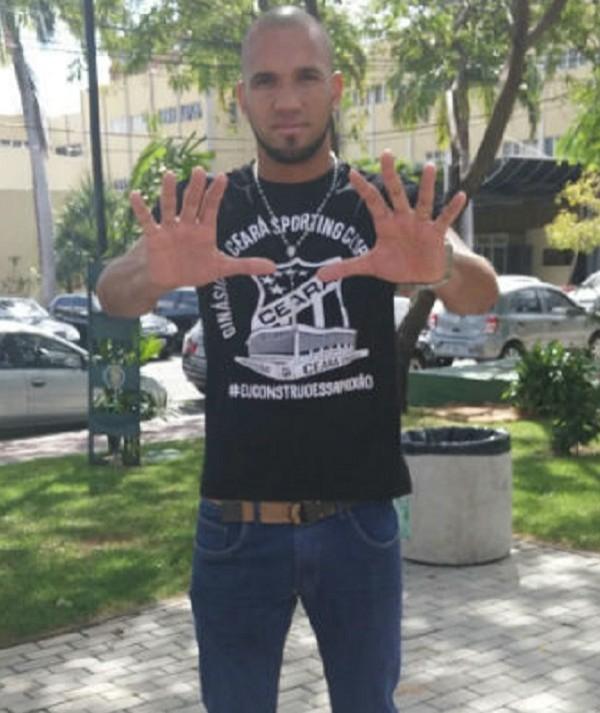 Goleiro Éverson atribui a fé em Nossa Senhora Aparecida a defesa que salvou o Ceará