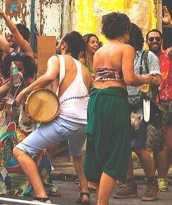 Veja como curtir o Carnaval bem alimentado, saudável e hidratado