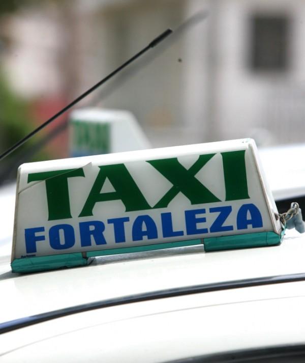 Empresa oferece descontos em corridas de táxi durante carnaval de Fortaleza