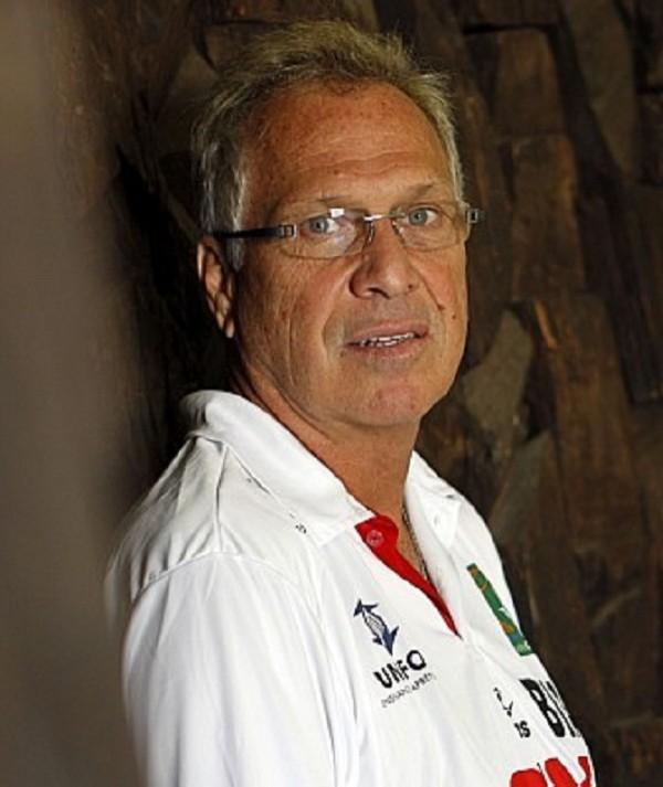 Alberto Bial tá feliz da vida após 7 vitórias seguidas no NBB