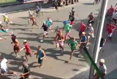 Guerra de ovos do Carnaval vira confusão generalizada em dois bairros de Fortaleza