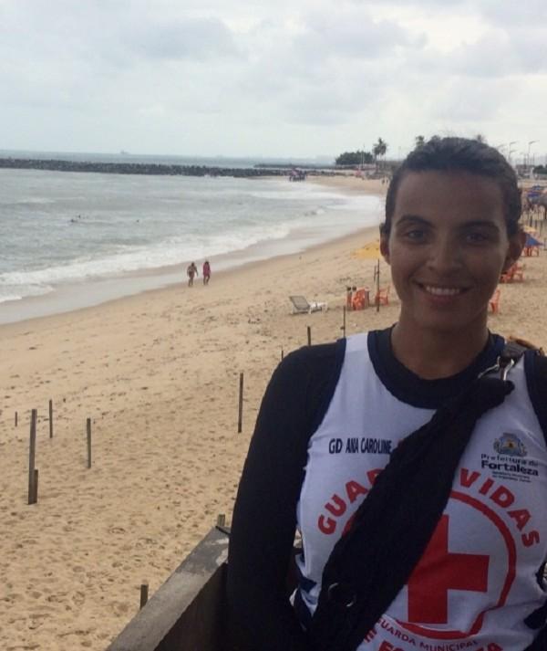 Cearense é a única mulher salva-vidas em guardas municipais do Brasil
