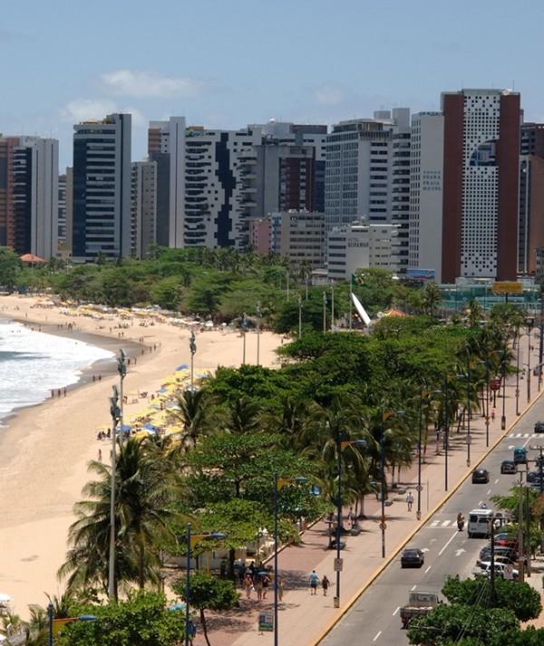 Avenida Beira-Mar ganha reforço na segurança e base de policiais